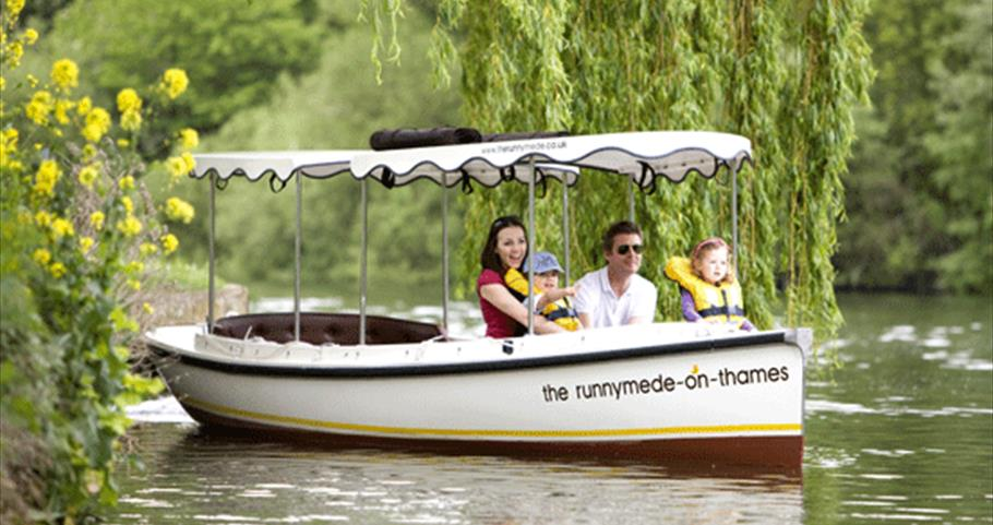 Family Boat trip on the River Thames