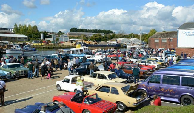International Classic Car Show Newport Quay Show Display In - Car show england