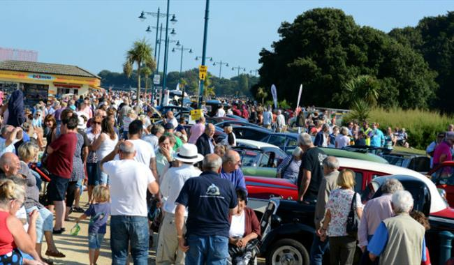International Classic Car Show Ryde Esplanade Show Display In - Car show england