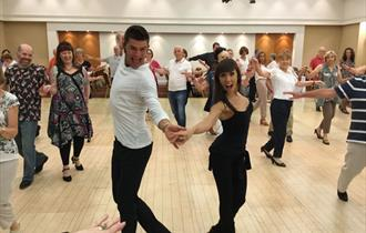 Dancing with the Stars weekend: Aljaz Skorjanec Janette Manrara teaching