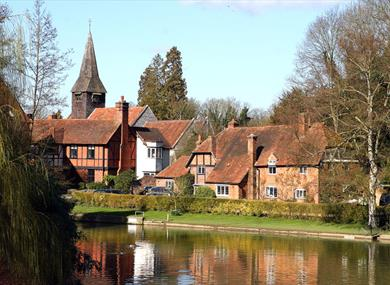Author/dh >> Pangbourne - Towns & Villages in Pangbourne, Berkshire