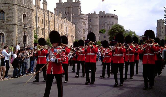 Spirit of England Tours: Windsor Castle and Guard March
