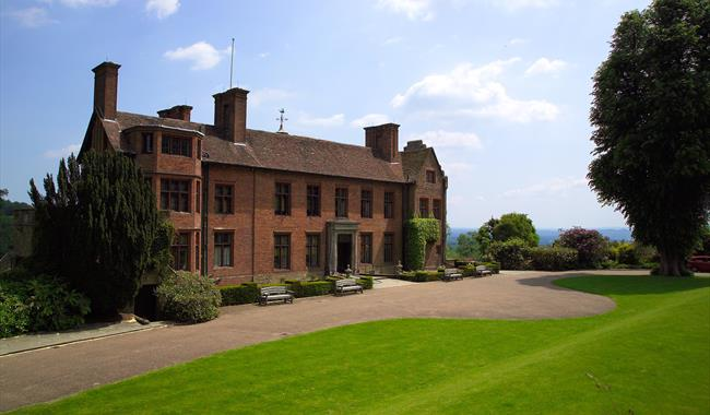 Chartwell - Historic House / Palace in Westerham ...