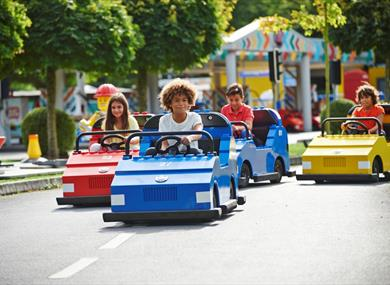 Children enjoying the LEGOLAND Windsor driving school