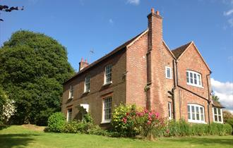 Manor Court Farm Bed and Breakfast