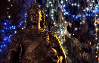 Queen Victoria Statue at Christmas